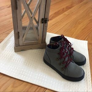 Cat and Jack toddler/kids size 10 Boot